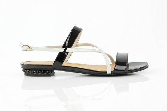 Letnie sandałki na płaskiej podeszwie - letni przegląd