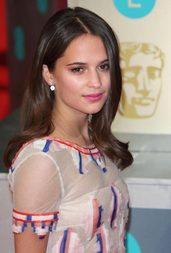Fryzury i makijaże gwiazd na rozdaniu nagród BAFTA 2014