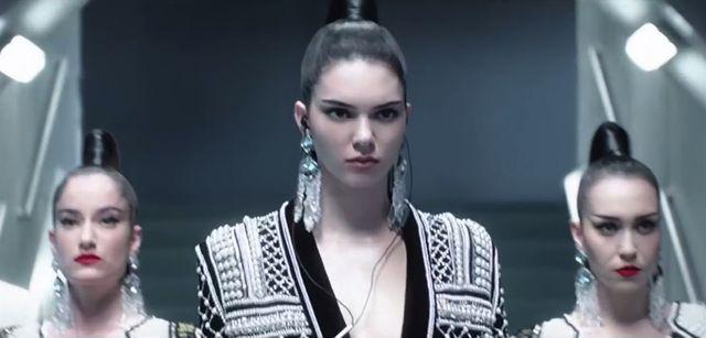 Już jest! Pełna pląsów Kendall Jenner zapowiedź H&MxBalmain