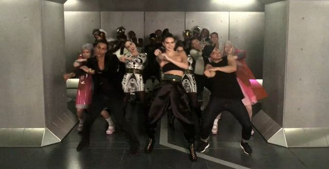 Kendall Jenner pokazał kocie ruchy w zapowiedzi BalmainXH&M