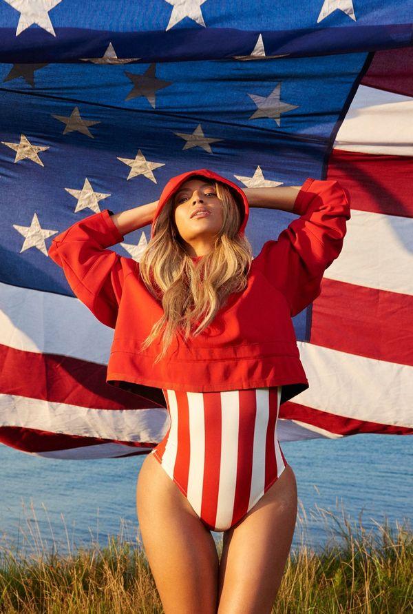 Grafik zapomniał wyretuszować rozstępy Beyonce? (FOTO)