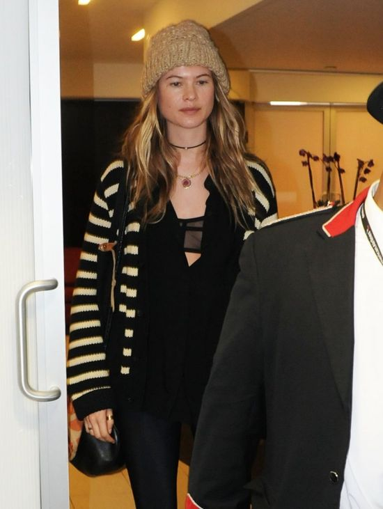Behati Prinsloo bez make-up'u już tak nie zachwyca? (FOTO)