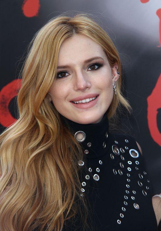 Wiedziałyście, że Bella Thorne zmagała się z trądzikiem?