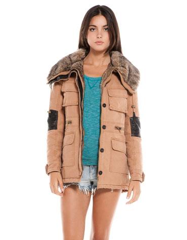 Bershka - przegląd płaszczy i kurtek jesień 2013