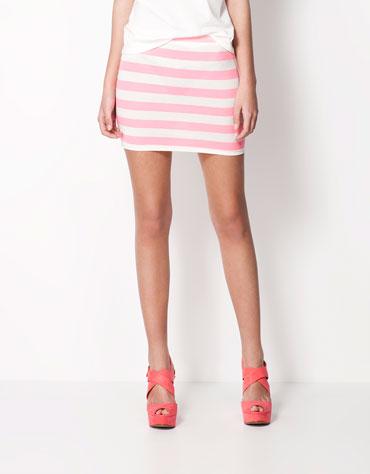 Bershka przegląd spódniczek mini