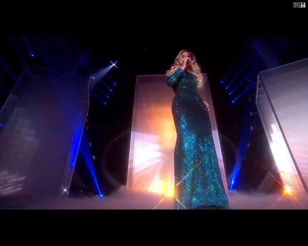 Beyonce i Rosie Huntington-Whiteley w błyszczących kreacjach