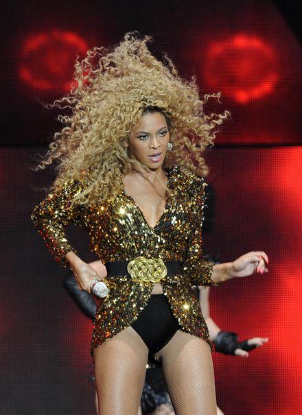 Fryzury Beyonce od 2003 do 2013 roku (FOTO)