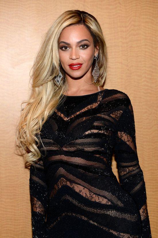 Beyonce ponownie postawiła na prześwity (FOTO)