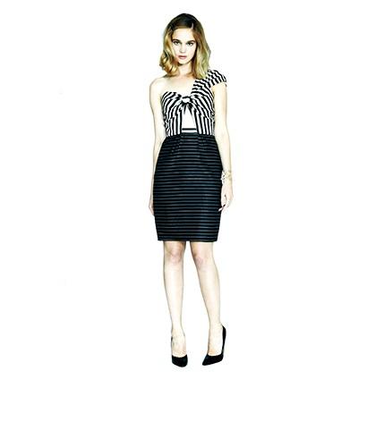 AnnaSophia Robb w sukience Ermilio Katie
