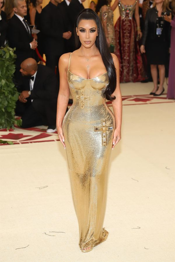 Skąd u Kim Kardshian takie ciało, skoro jedzenie na sesjach wygląda TAK?