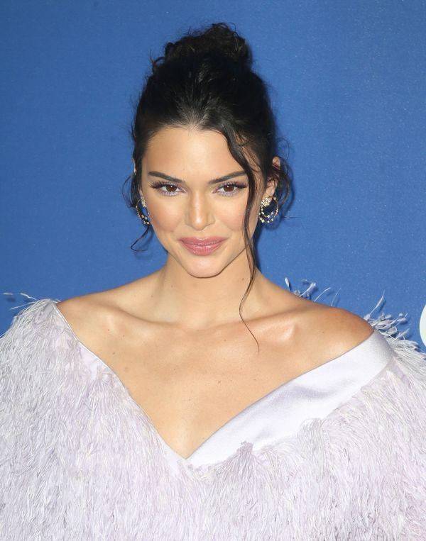 Co jest nie tak z fryzurą Kendall Jenner? (FOTO)