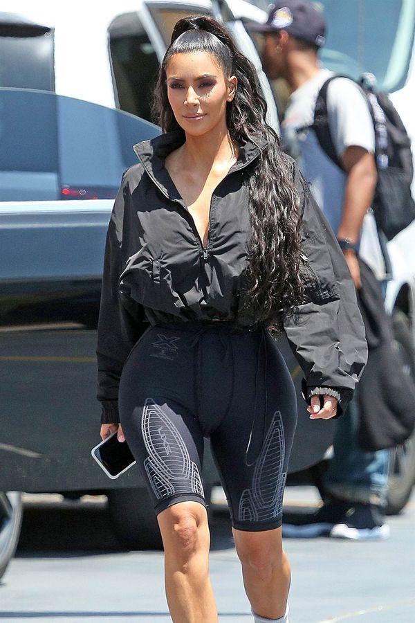 Kim Kardashian pokochała fryzurę Ariany Grande! Nosi ją non stop!