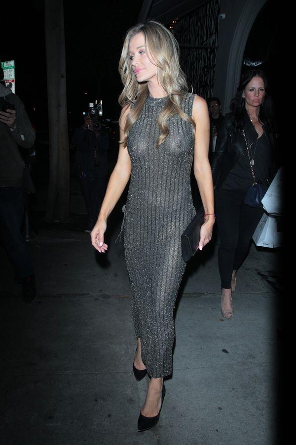 Joanna Krupa nie sprawdziła sukienki w starciu z fleszami aparatów... (FOTO)