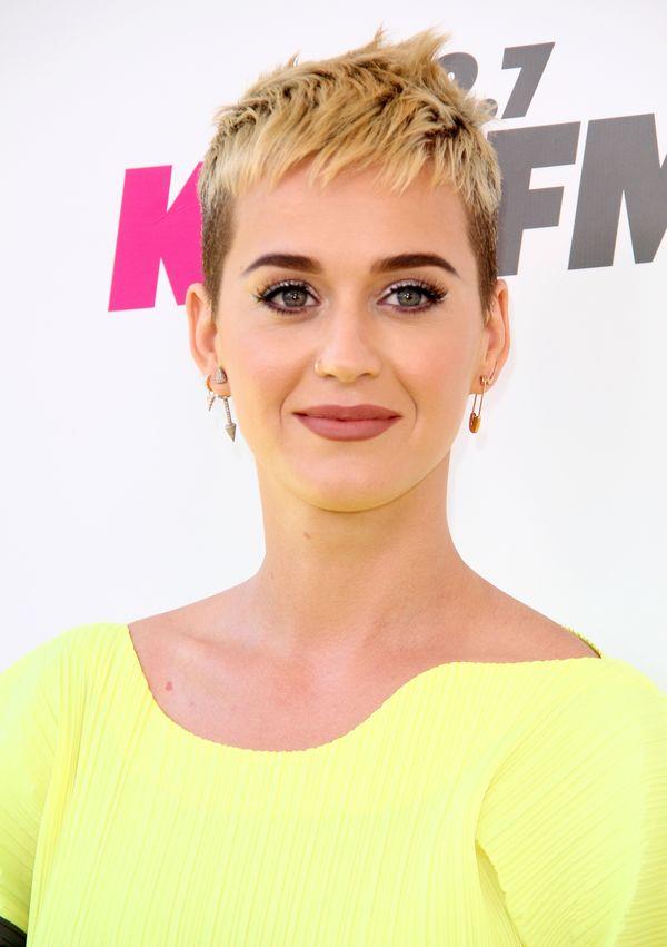 Katy Perry już tak nie wygląda! Jej włosy są teraz jeszcze krótsze! (FOTO)
