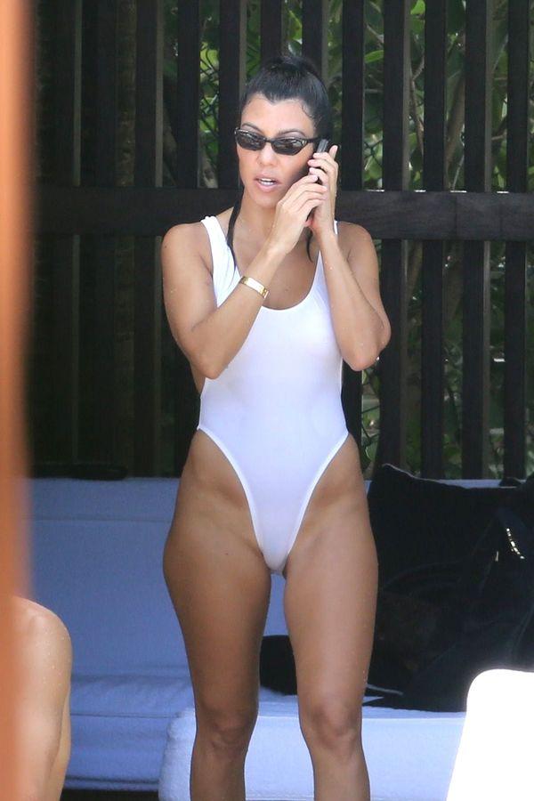 Kourtney Kardashian przesadziła z tym kostiumem kąpielowym? (FOTO)