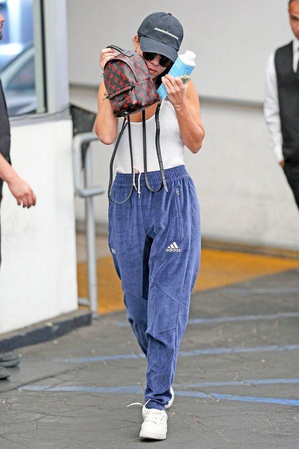 Te spodnie Kourtney Kardashian rozśmieszą Was do łez (FOTO)