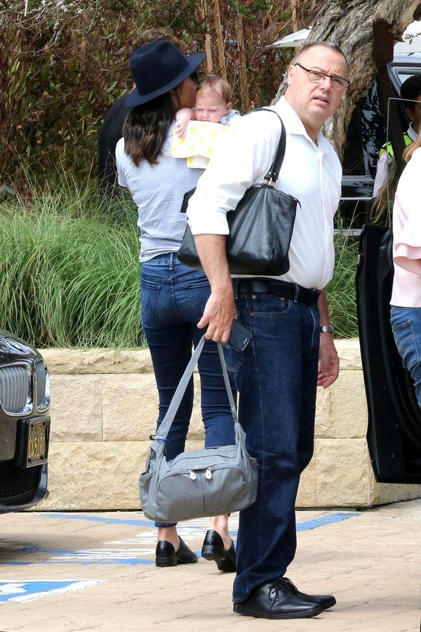 Gal Gadot w wersji Mama! Jesteście ciekawi jak ubiera się na co dzień? (FOTO)