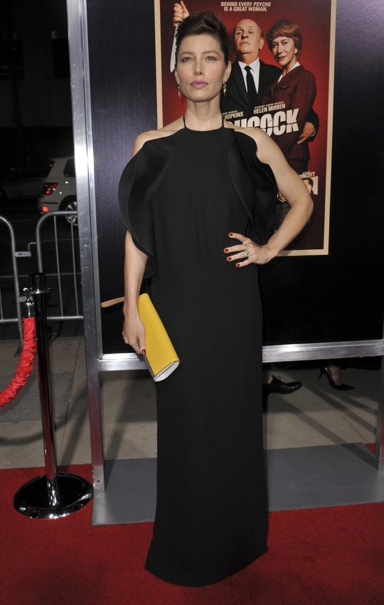 Jessica Biel w czarnej sukni Gucci