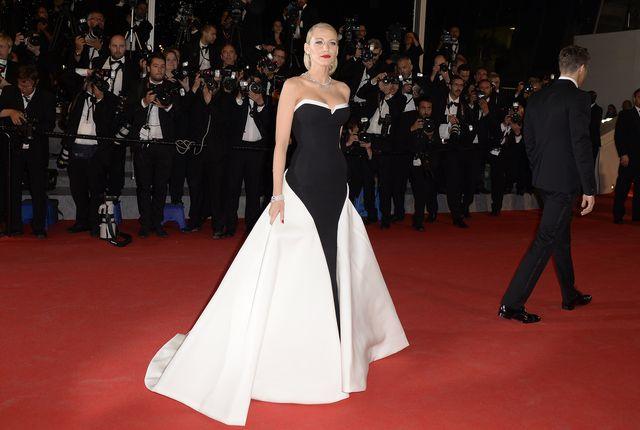 Blake Lively ponownie zachwyca kreacją na Festiwalu w Cannes