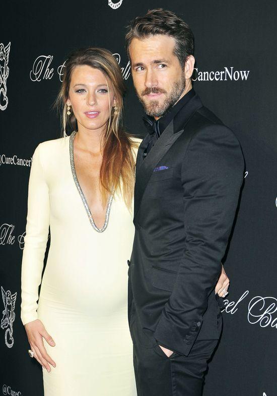 Blake Lively podkreśliła swój ciążowy brzuszek (FOTO)