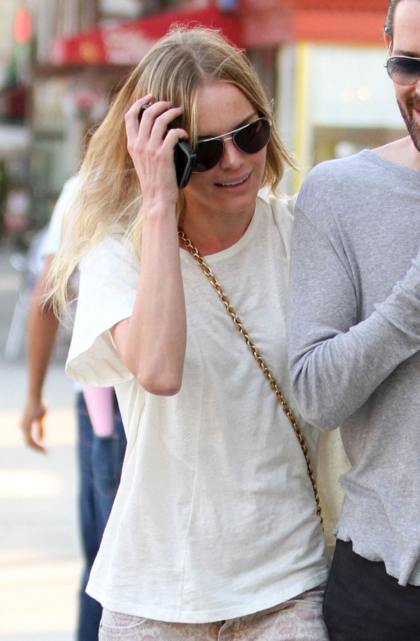 Kate Bosworth w spodniach Current/Elliott