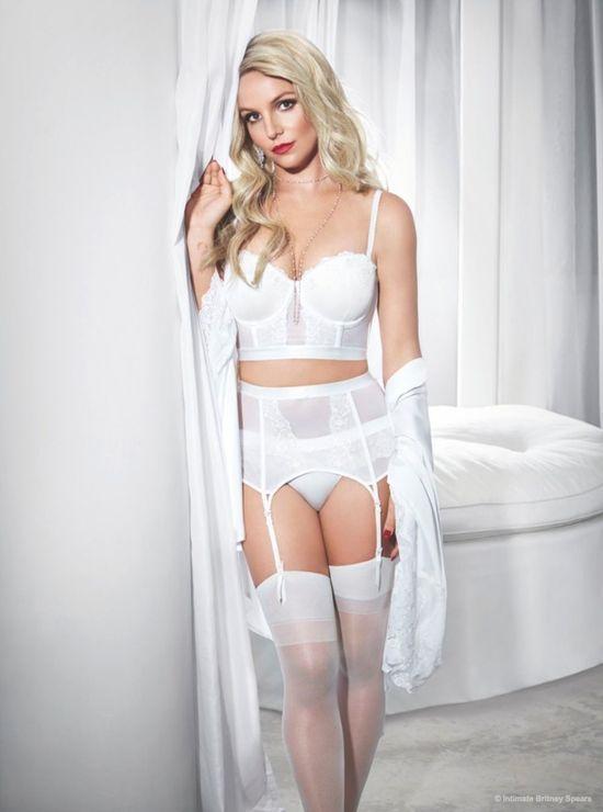 Britney Spears reklamuje swoją kolekcję bielizny (FOTO)
