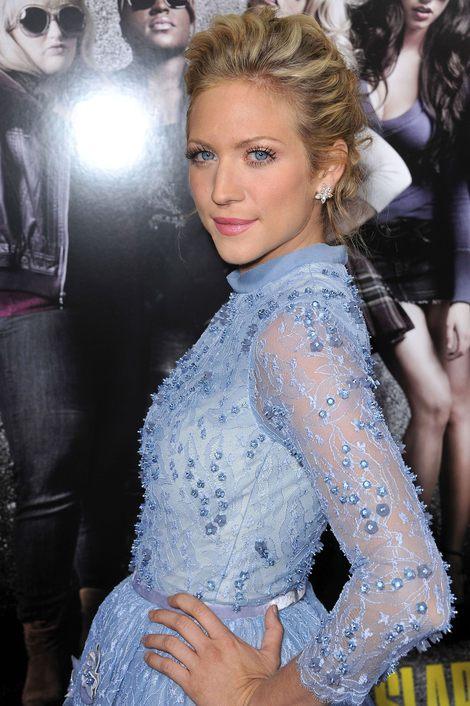 Brittany Snow w sukience Georges Hobeika (FOTO)
