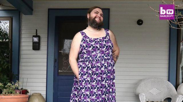 Ta kobieta zapuściła brodę i... czuje się sexy! (FOTO)