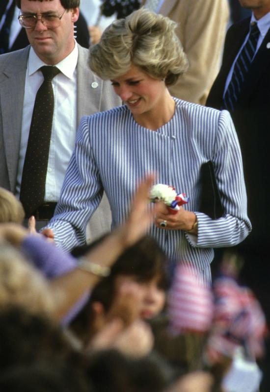 Chamski żart księcia Karola po narodzinach Harry'ego złamał serce Diany