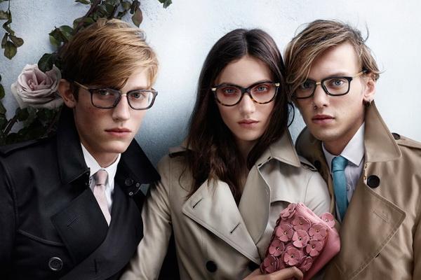Okulary inspirowane trenczami? Oczywiście od Burberry!