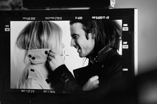 Sienna Miller i Tom Sturridge w kampanii Burberry  (VIDEO)