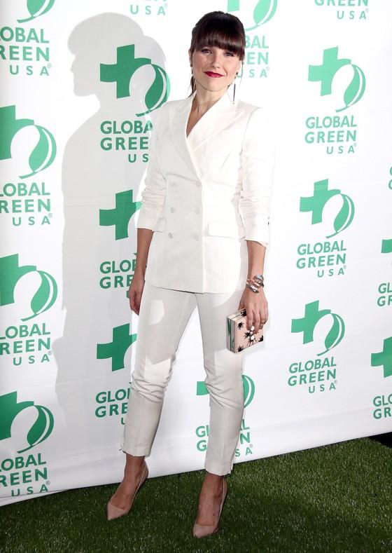 Sophia Bush w białym garniturze