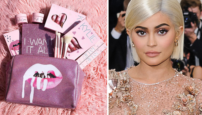 Kylie Jenner od samego początku była idealną kandydatką do założenia własnego kosmetycznego biznesu. Kylie Cosmetics to marka, która już pierwszego dnia obecności na rynku okazała się być wielkim hitem. Kylie regularnie prezentuje kolejne nowe kolekcje, która są dowodem na to, że celebrytka nie zamierza spoczywać na laurach. ZOBACZ: NATURALNE? NIE MA SZANS! ZOBACZCIE, O ILE POWIĘKSZYŁY SIĘ PIERSI KYLIE W...