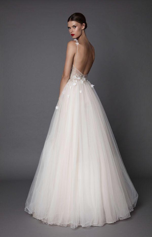 Musicie zobaczyć przepiękne suknie ślubne Muse by Berta Bridal