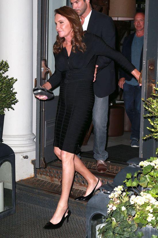 Caitlyn Jenner już nosi szpilki (FOTO)