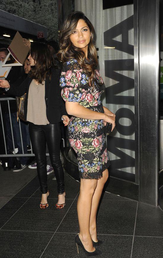 Camila Alves w kwiecistej sukience