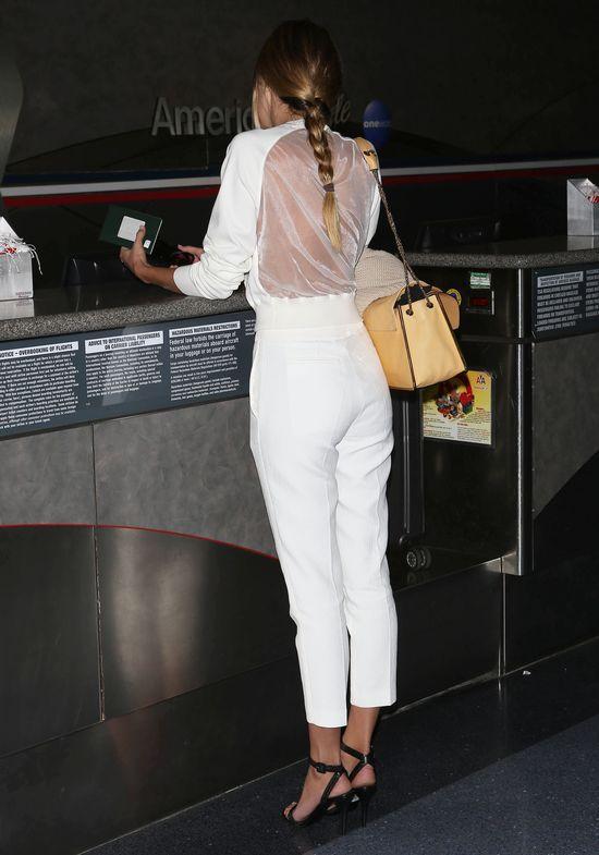 Candice Swanepoel bez sztucznych włosów już tak nie zachwyca