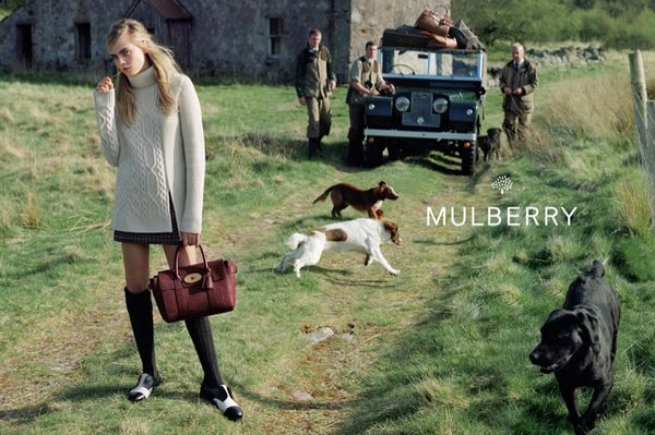 Cara Delevingne dla Mulberry - kolejne zdjęcia! (FOTO)