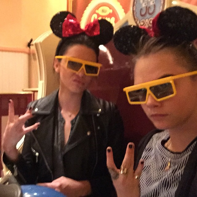 Kendall Jenner i Cara Delevingne zaskakują okładką LOVE!