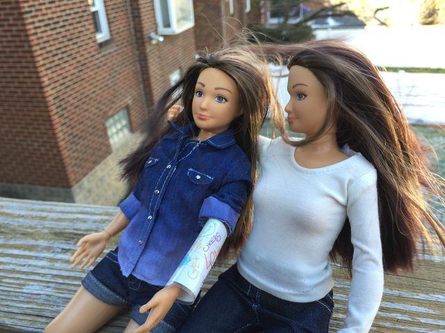 Niecodzienne upiększacze dla Barbie o realistycznej figurze!