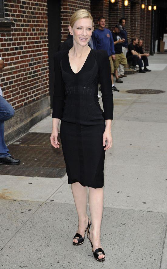 Kate Blanchett w czarnej sukience Altuzzara