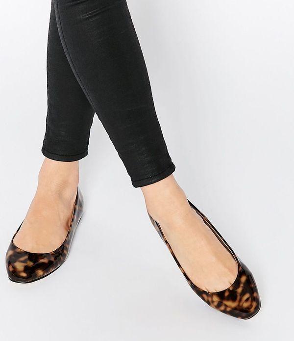 Modne płaskie buty w ofercie Asos