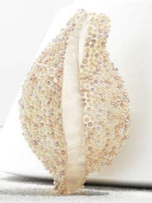 Muszelkowe torebki od Chanel hitem wśród panien młodych