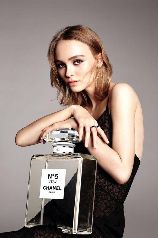 Lily-Rose Depp w kampanii Chanel No.5 - wypadła lepiej od Vanessy Paradis?