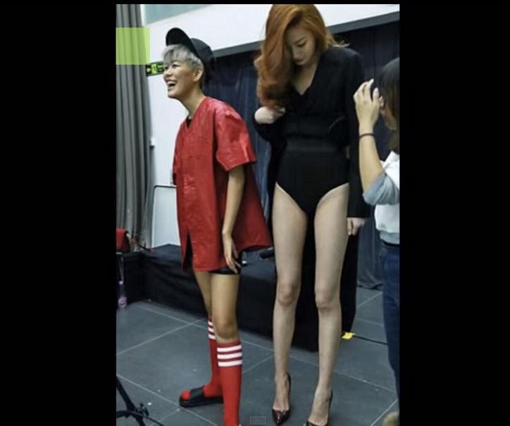 Niesamowicie dlugie nogi Dong Lei robią prawdziwą furorę