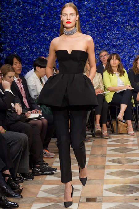 Emma Watson w zestawie Christian Dior Couture (FOTO)