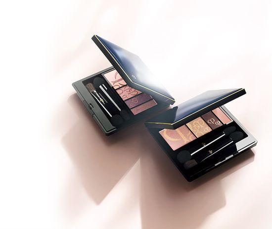 Amanda Seyfired twarzą wiosennej linii kosmetyków! (VIDEO)