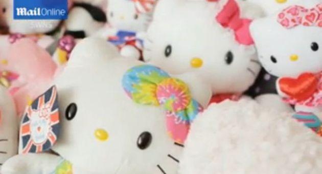 Duża dziewczynka uzależniona od Hello Kitty (FOTO)