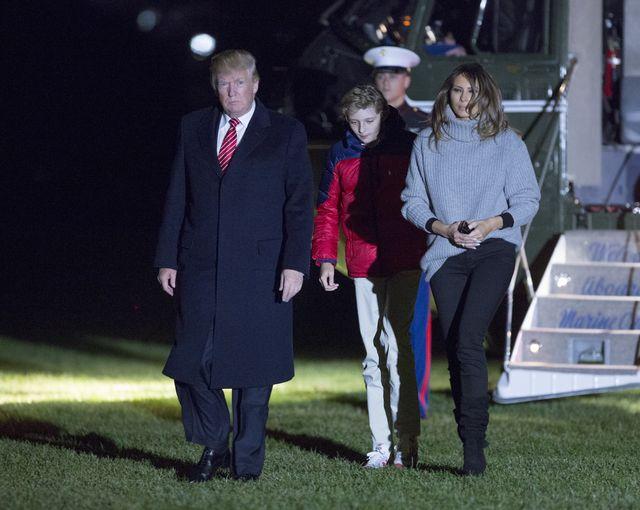 Melania Trump również uwielbia szare oversize'owe swetry! (FOTO)