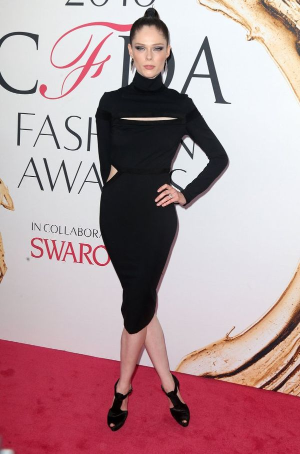 Tłum gwiazd i modelek na gali 2016 CFDA Fashion Awards